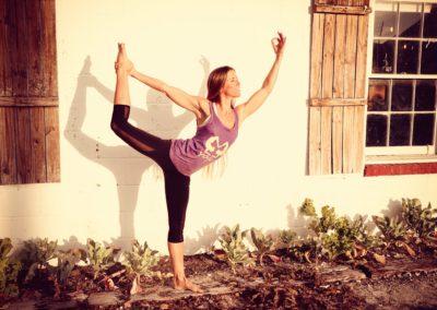 Jivamukti Yoga / So. 18:00 – 19:30 Uhr / Veronika
