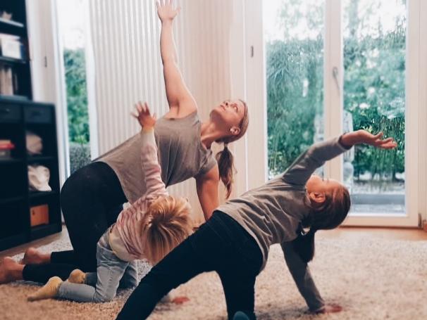 Kinder Yoga / Do 16:00-17:00 / Angela