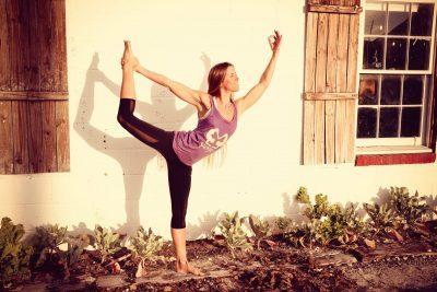 Jivamukti Yoga / Di. 09:30 – 11:00 Uhr / Veronika